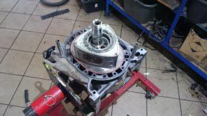 Rozebrany silnik wankla RX8